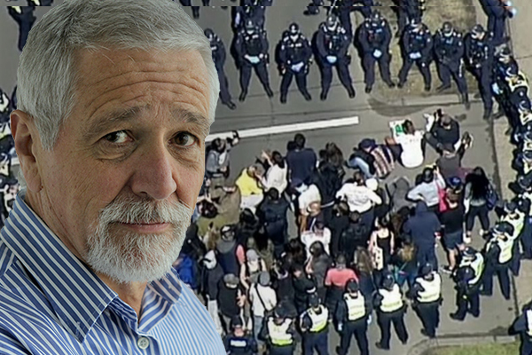 Article image for What Neil Mitchell thinks police are 'getting wrong' in the crackdown on COVID-19 breaches