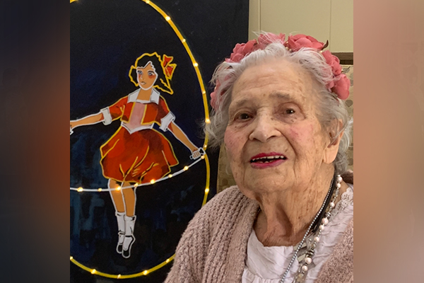 Article image for One of the women behind Richmond's Skipping Girl sign has died