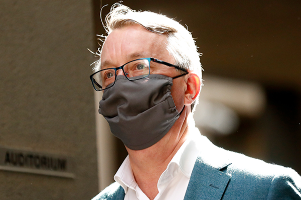 Article image for Health Minister refuses to rule out another lockdown as he congratulates Victorians