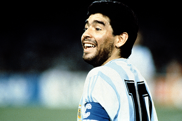Article image for The night the Socceroos tried to stop Diego Maradona in Sydney