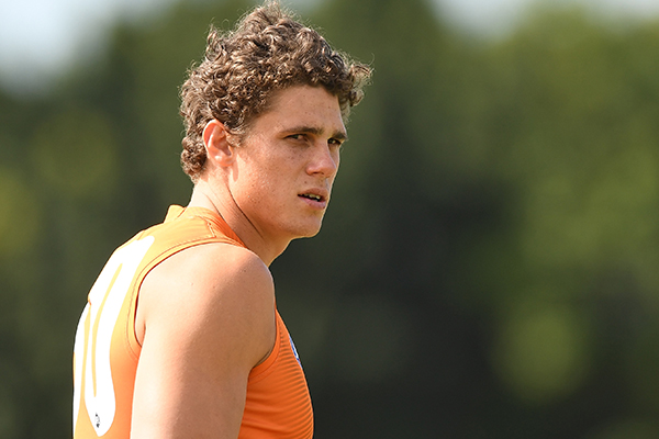 Article image for Charlie Curnow to have more knee surgery