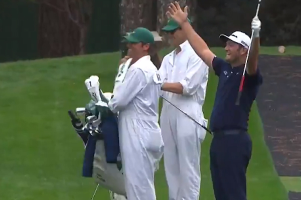 Article image for 'Oh, you're kidding!': The golf trick shot that's left Ross, Russel and Ando stunned!
