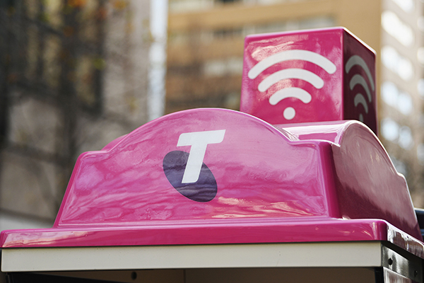 Article image for Telstra addresses several customer complaints (including Tom's!) on 3AW Drive