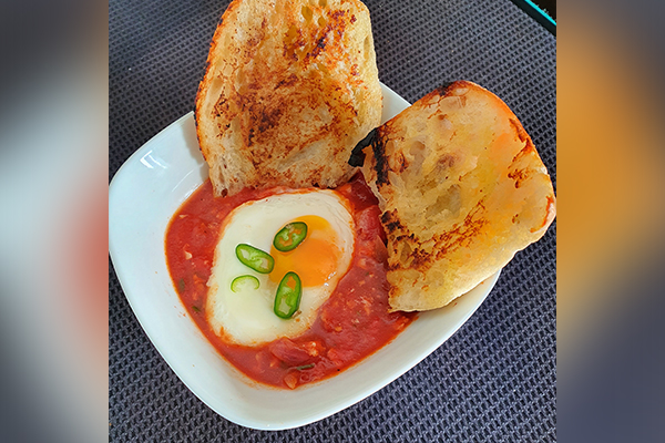 Article image for Dining with Den – Spanish eggs