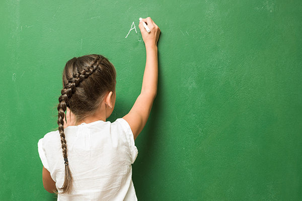 Article image for Why there are calls for chalk and slates to return to the classroom