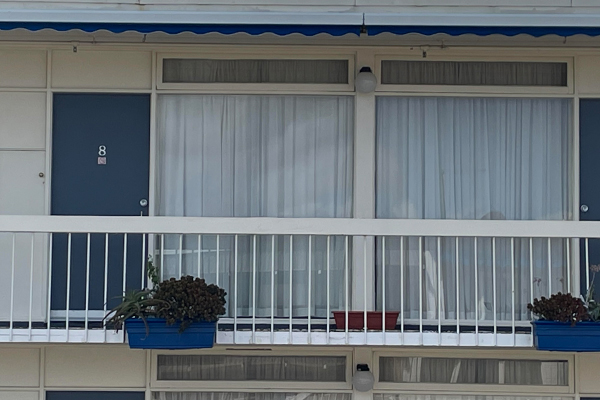 Article image for Motel operator says Essendon motor inn featured in Liam Neeson film is 'literally empty'