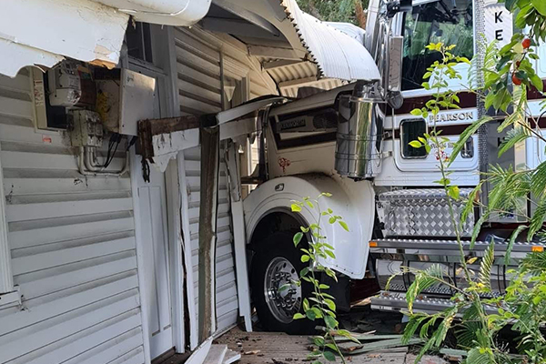 Article image for Inverleigh woman narrowly escapes injury after truck smashes into her house