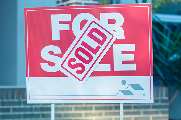 Article image for Melbourne real estate record cracks as prices soar