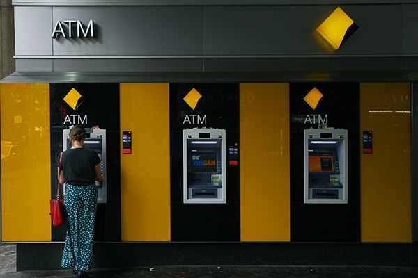 Article image for Commonwealth Bank 'urgently' working to fix online banking issue