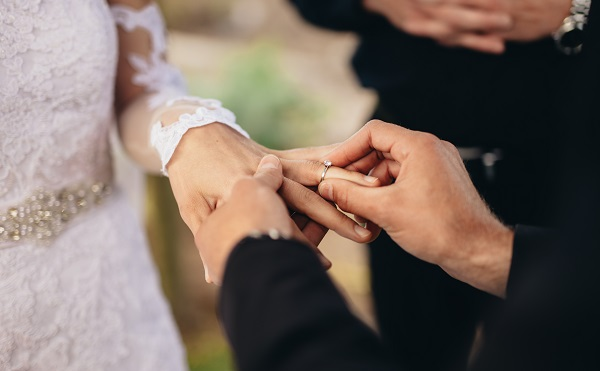 Article image for A solution for newlyweds who want to break away from tradition