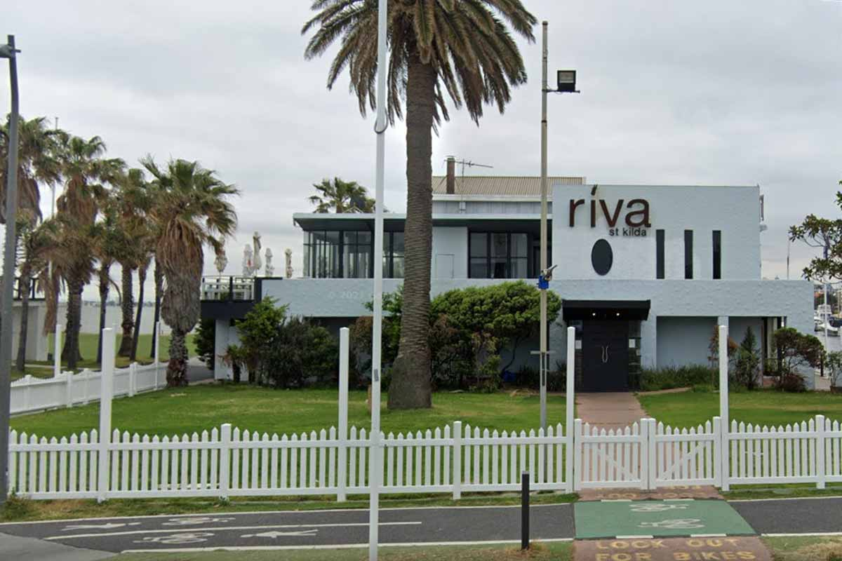 Article image for St Kilda venue fined $10,000 after event party-goer says 'at least 3000' people attended