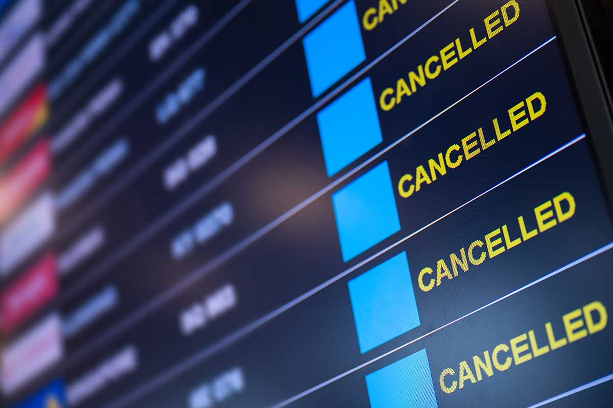 Article image for Push for 'urgent' consumer rights reform to fix COVID-19 travel cancellation chaos