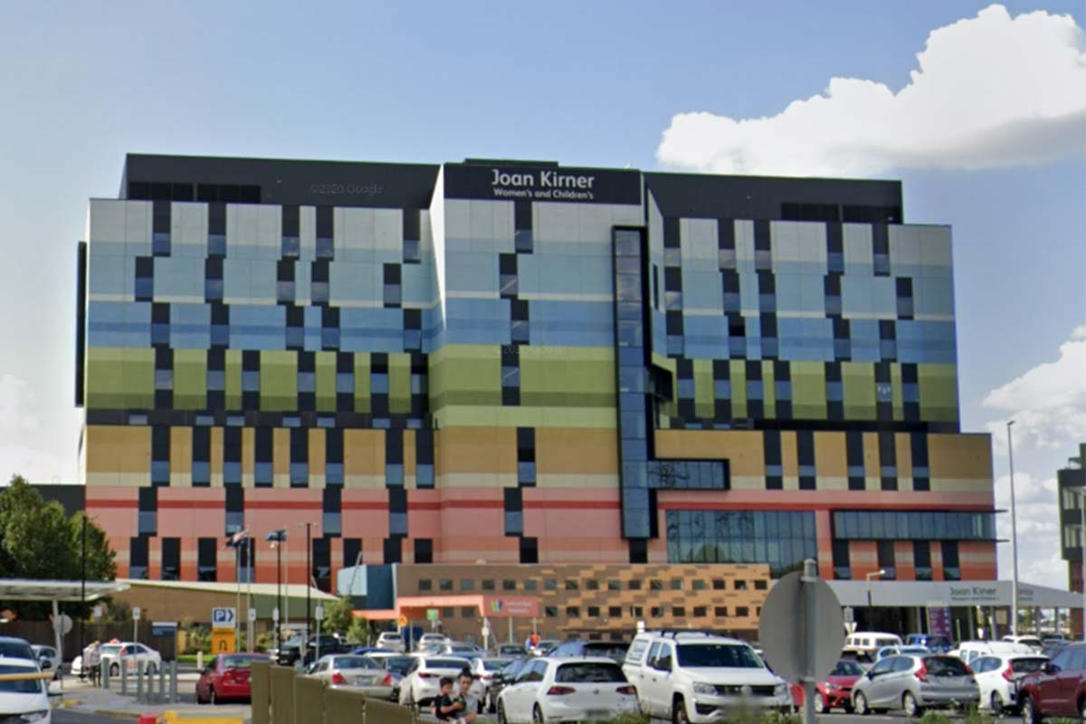 Article image for Victoria records 11 new local COVID-19 cases as a Melbourne hospital is declared a Tier 1 site