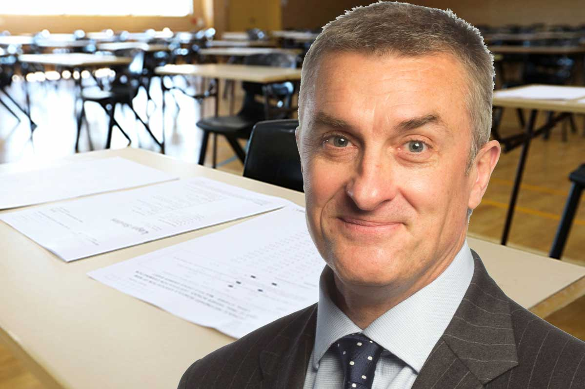 Article image for Why Tom Elliott feels 'so sorry' for VCE students