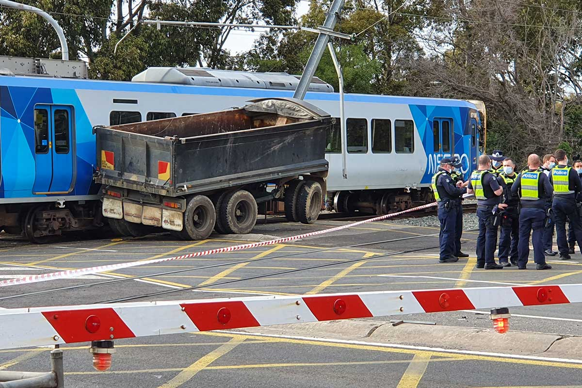 Article image for Train and truck collide at Glen Iris level crossing